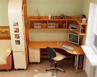 Учебный стол для школьника дома